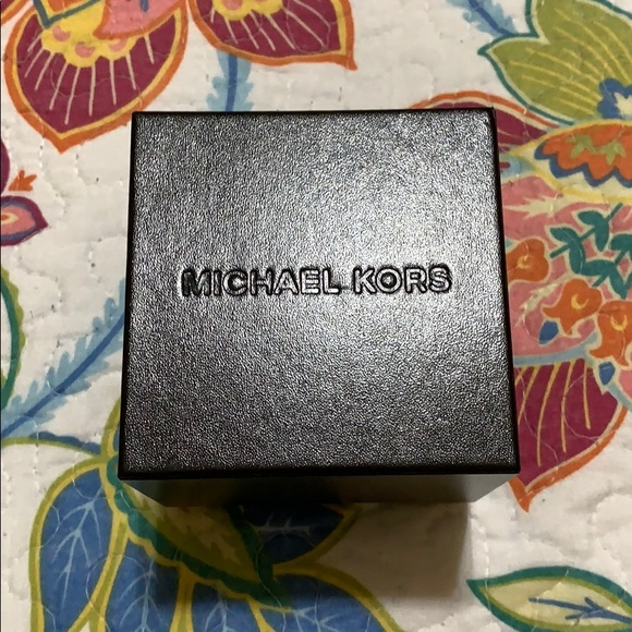 Michael Kors Accessories - Michael Kors hard box